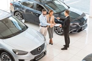 Sunt rentabile serviciile de închiriere a unei mașini?
